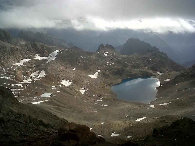 Vista del Ibon Blanco desde la Cresta Literola