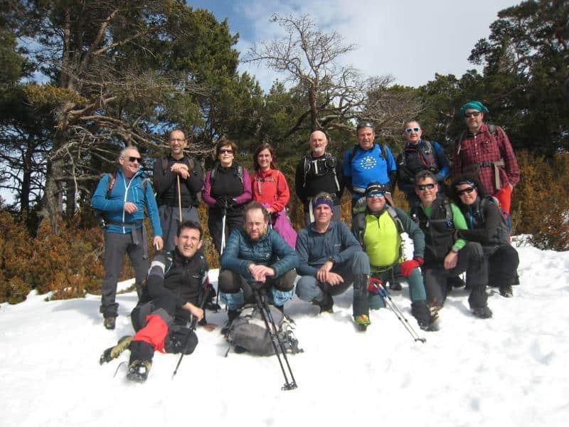 Foto de grupo en la cima de la peña