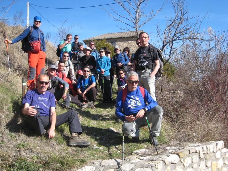 Ya estuvimos en el año 2012, pero hemos vuelto de nuevo a la Peña de Surta, esta vez en travesía. Sábado 18 de Marzo.