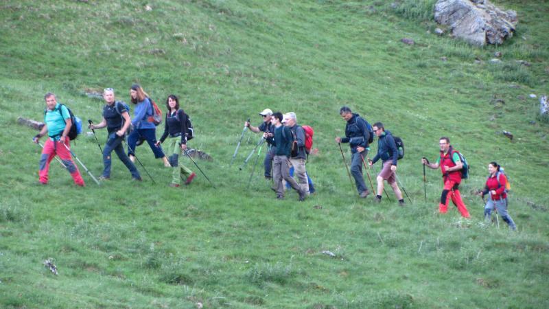 Comenzando a andar. Primeras rampas por los prados verdes.