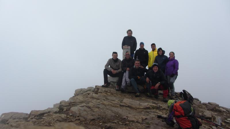 A pesar de la poca visibilidad y bastante frio, ascendimos al Telera. Sábado 22 de julio