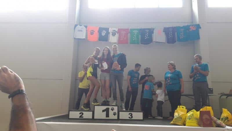 Claudia Valero, vencedora carrera del Onso en categoría femenina, y muy buena participación corredores CAS. Sábado 23