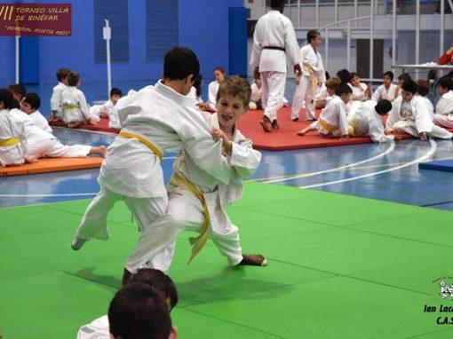La Escuela de Judo del CAS participó en el XVII Torneo Villa de Binefar. Domingo 22 de Abril.