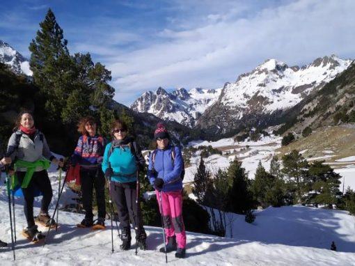 Realizada la segunda salida del año con raquetas de nieve. Valle de Benasque.