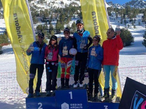 Podio mixto absoluto de César y Claudia Valero en la Andorra Skimo 4