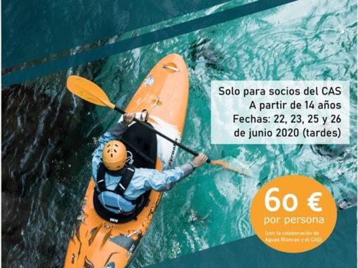 Curso de iniciación al kayak de aguas bravas